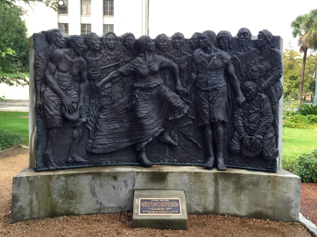 Between the 17th and 18th centuries, slaves would gather here on Sundays to sing, dance and drum in West African tradition. The sculpture seen here commemorates this history.